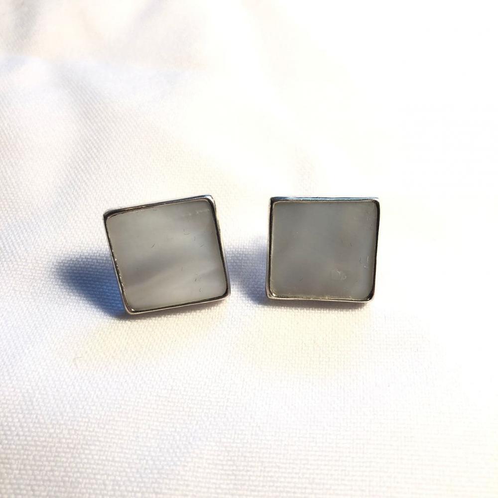 """Silver Stud earrings """"Madreperla"""" square"""