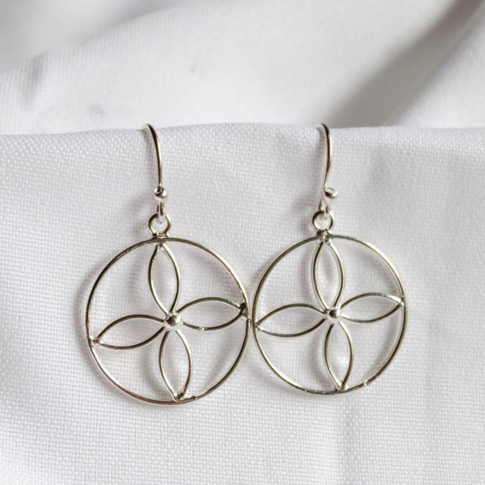 """Silver Earrings """"Cuatro petalos"""" mandala"""