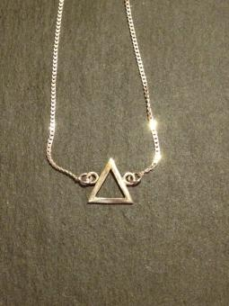 "Necklace ""Triangulo"""