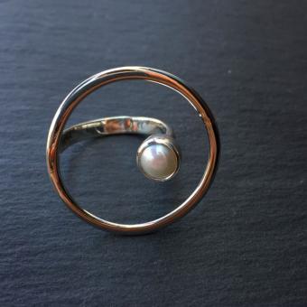 "Ring ""Aro Flotante Perla"""